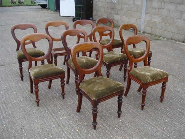 Long Set Of Antiques Chairs   Set Of 10 Ten Victorian Mahogany Balloon Back  Dining Chairs