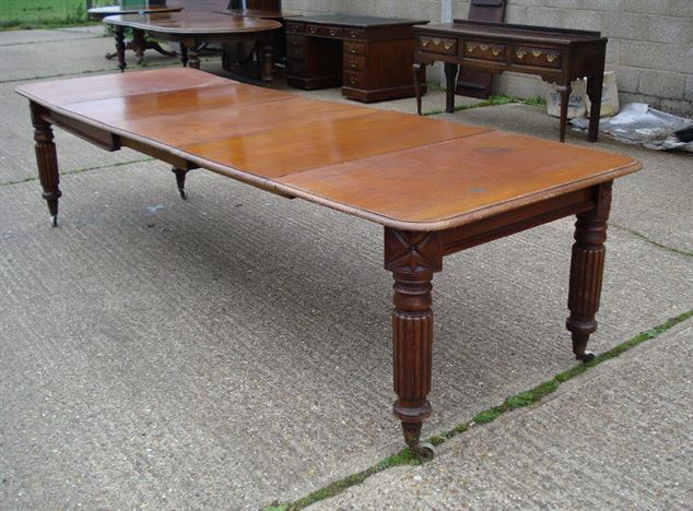 ANTIQUE FURNITURE WAREHOUSE Narrow Antique Dining Table  : narrow antique dining table long narrow early victorian mahogany extending table with reeded legs 883 P1 from www.elisabethjamesantiques.co.uk size 813 x 600 jpeg 140kB