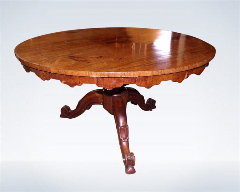 Round Antique Dining Table From Regency Period In Rosewood Of Diameter To Seat 6 People Comfortably