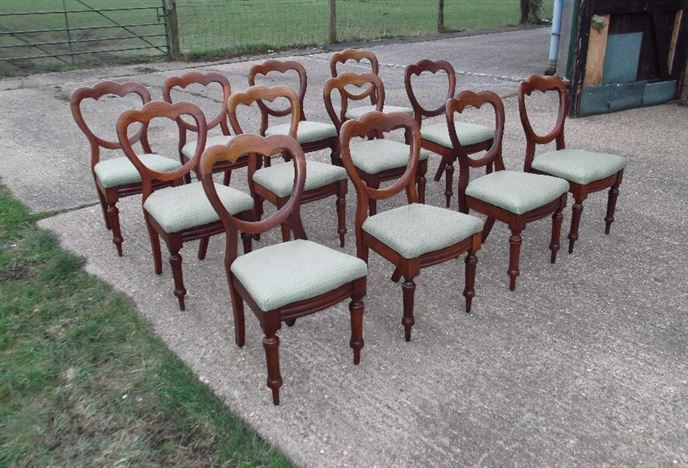 Beautiful Set 12 Antique Dining Chairs   Twelve Victorian Mahogany Balloon Back  Dining Chairs