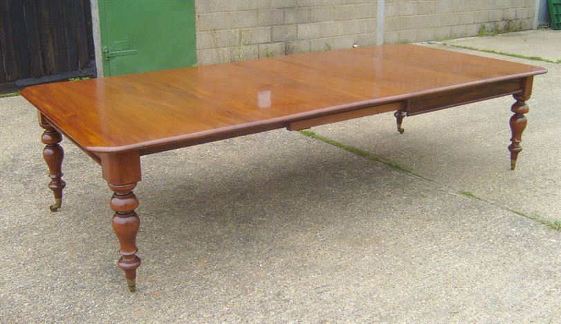 Antique furniture warehouse victorian dining table for Table exterieur 3 metres