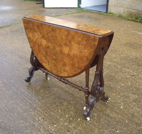 Victorian Sutherland Table - Mid Victorian Walnut Sutherland Table With Oval Top
